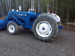 Tracteur Ford 3600 1977