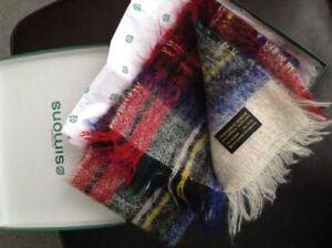 Echarpe neuve ( foulard ) en mohair fait en Ecosse