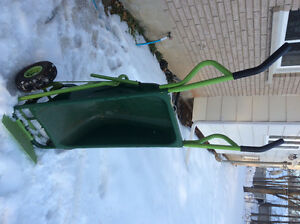 Wheelbarrow trolley in good condition multiple function.