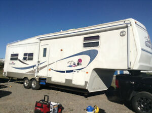 Ceder Creek 34 feet, 5th Wheel Trailer with dual axle