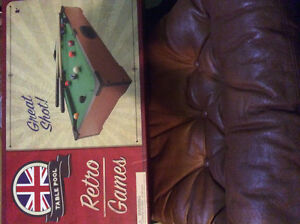 Mini Pool Table Never Opened. Stratford Kitchener Area image 1