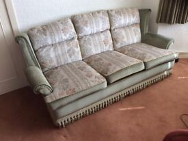 4 piece suite in excellent condition