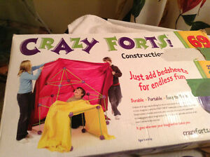 Crazy Fort -- Great for kids that like to build ---SOLD PPU London Ontario image 1