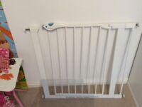 Lindam pressure fit stair gate