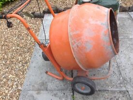 Good condition cement mixer for sale