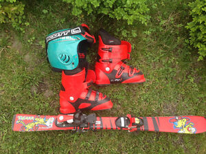 Skiis, boots and helmet for very young skier