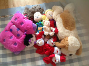 15 pelushe in different sizes and colors still new