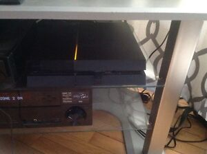 PlayStation 4 **mint condition***