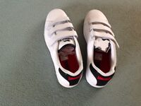 Men's Lonsdale White Trainers size 10 Brand New