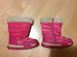 Osh Kosh rain boots and winter boots pink size 6 girls