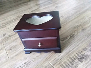 Jewellery Box_ Dimension 7x6x5 inches