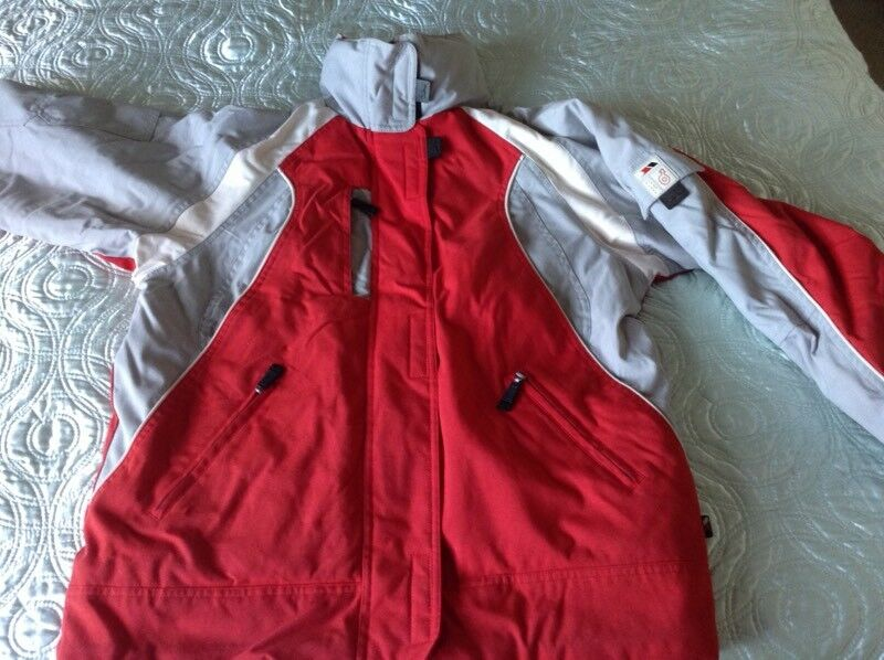 Boy   Girl Trespass Ski Jacket or Boardwear Age 11 12  9e7f6b95e