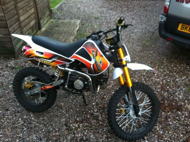 ktm chinese copy pit bike 125cc in shropshire gumtree. Black Bedroom Furniture Sets. Home Design Ideas