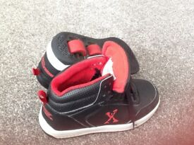 Size 1 Heelys Black and Red