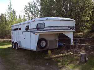 1995 Trail West horse trailer