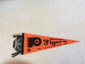 Vintage Mitchell and Ness Philadelphia Flyers hockey pennant.