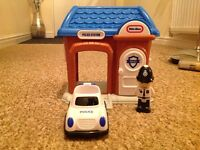 LITTLE TIKES POLICE STATION