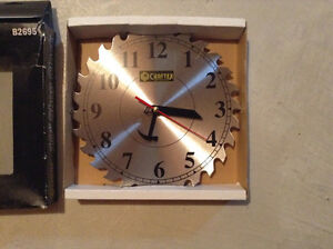 Saw blade shop clock