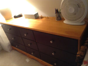 Great bedroom furniture package for going off to college.