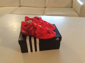 Adidas Kids Indoor Soccer Shoes, Size 13