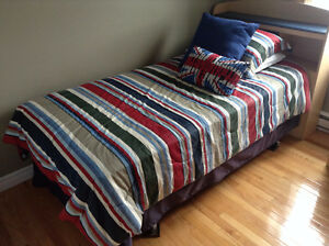 Roots Comforter Set with some extras! St. John's Newfoundland image 2
