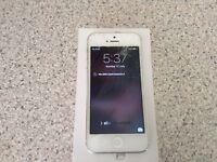 iPhone 5 32gb Silver/White unlocked