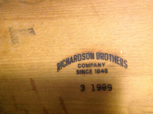 Richardson Brothers solid golden oak table with four chairs