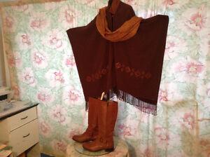 Beautiful wool and leather poncho. Plus hardly usd boots Gatineau Ottawa / Gatineau Area image 4
