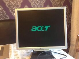 ACER SILVER FLAT SCREEN MONITOR + 2 CABLES