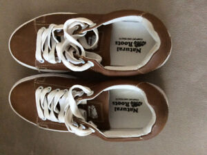 Women's Roots Sneakers Size 5