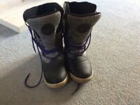 Hi-tec ladies thermal boots size 7