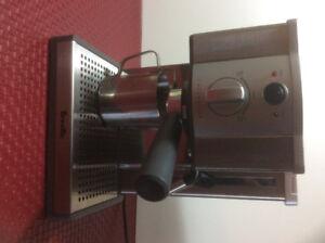 Breville Cafe Roma espresso Maker model ESP8 XLA good condition