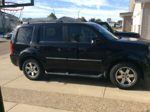 """2009 Honda Pilot touring """"1 owner fully maintained fully loaded"""""""
