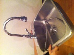 Lavabo éviers et robinet de cuisine