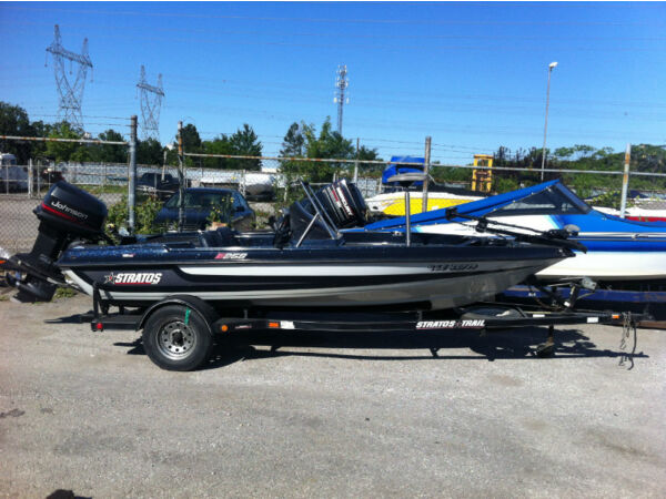 Used 1997 Stratos Boat Co 258 Bass boat