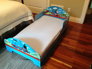 Wooden Thomas Toddler Bed with Mattress