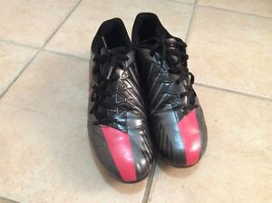 Men Soccer Shoes Size 10.5 Nike brand