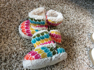 Old Navy 6-12mo slippers Kitchener / Waterloo Kitchener Area image 1