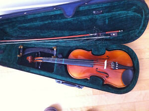 3/4 Violin with bow,shoulder rest and case
