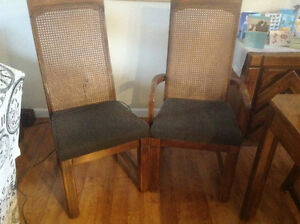 Braylore dining room table and chairs