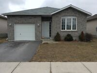 LOVELY 3 BEDROOM SINGLE HOME AMHERSTVIEW AVAILABLE JUNE 1ST