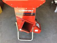 Awesome chipper. A real chipper shredder!!!