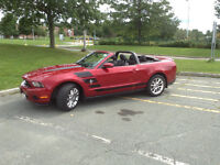 2011 Ford Mustang Cabriolet 24500 kms comme neuve 20500.00 $
