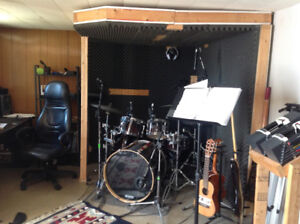 Sound room for drums or recording