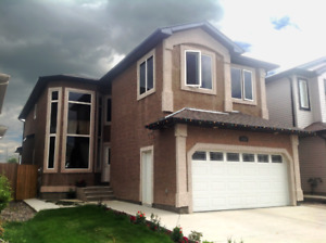 5BED,4BATH HOME FOR RENT IN SILVERBERRY W/ DOUBLE GARAGE