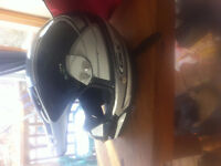 Black and White Motorcycle Helmet DOT certified (Men's Small)