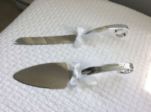 """Wedding Cake"" SERVING SET (Like New) ~ Only $4 !"