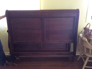 Queen size sleigh bed Cornwall Ontario image 2
