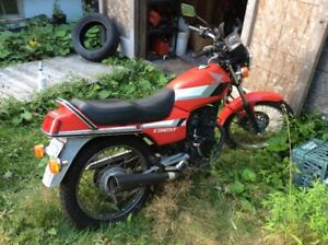 Honda 1990 CB125T for sale needs mvi for street