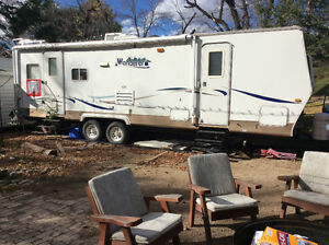 2003 30 ft Wanderer by Thor Fiberglass travel trailer